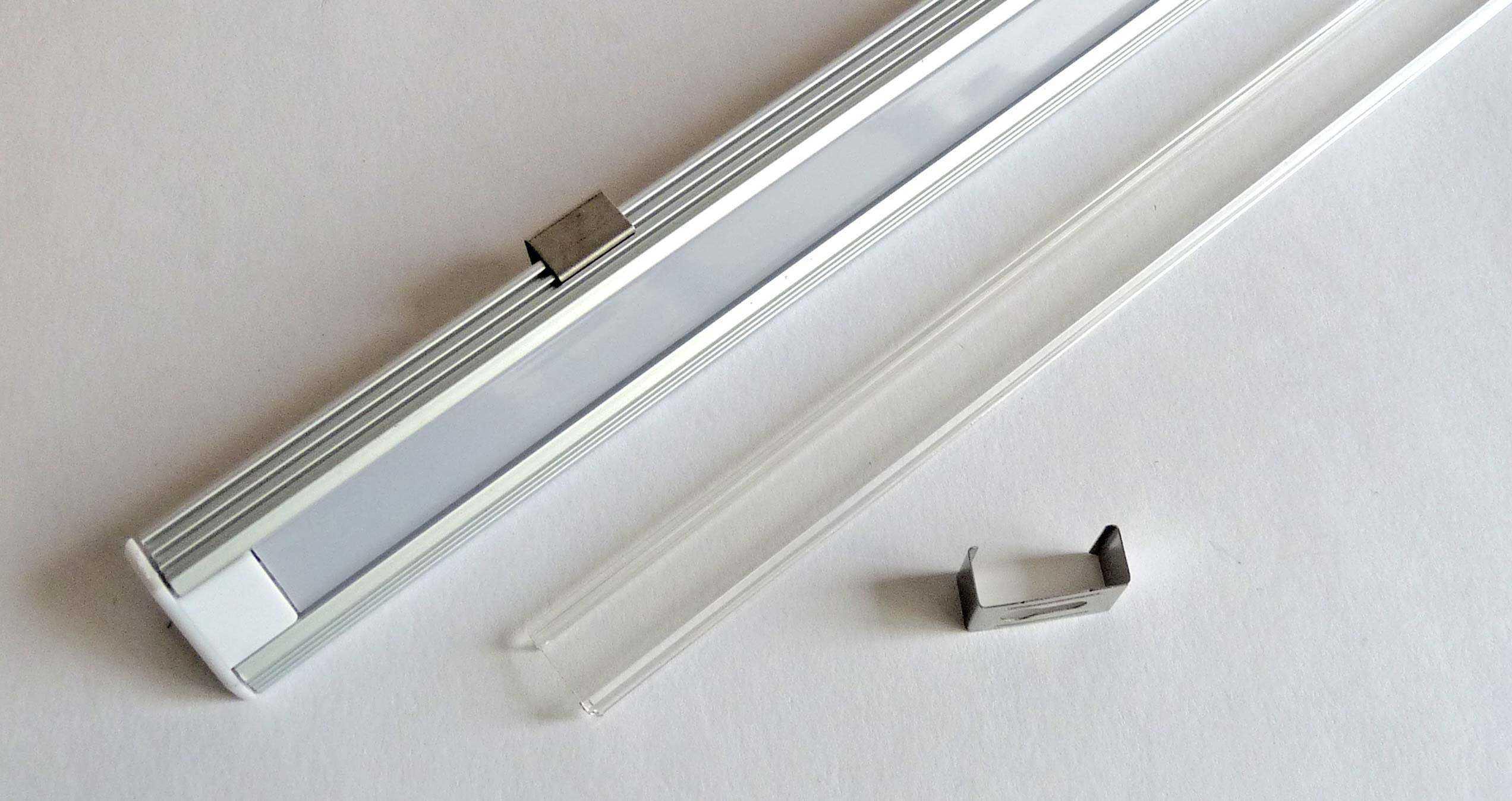 Profil LED d'angle - fixation